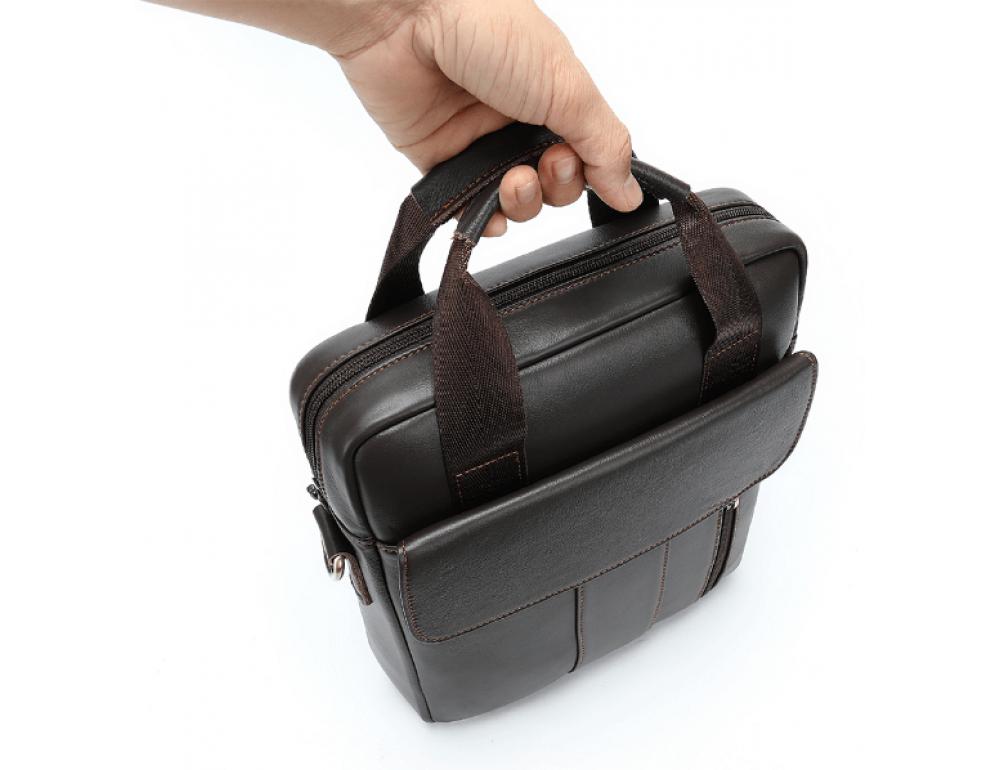 Тёмно-коричневая вертикальная кожаная сумка через плечо Tiding Bag 8567DB - Фото № 5