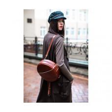 С чем носить кожаный рюкзак женский: как не попасть на антитренд?