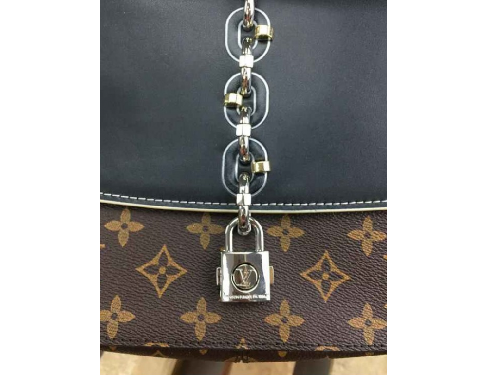 Жіноча сумка Louis Vuitton LV3009C - Фотографія № 3