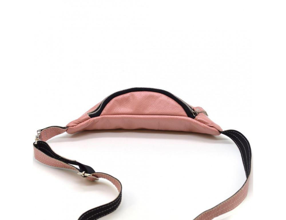 Розово перламутная кожаная сумка на пояс TARWA G2-3004-4lx - Фото № 6